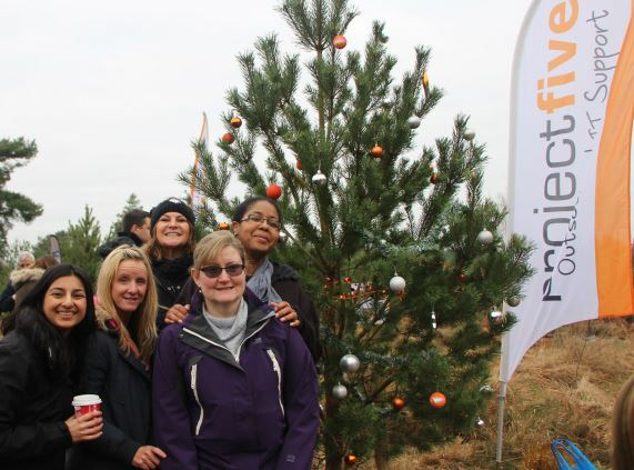 Group by xmas tree - Winter Pimms 2016